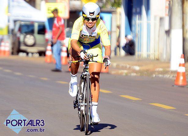 Clemilda Fernandes levou o título entre as mulheres. (Foto: Luis Claudio Antunes/PortalR3)