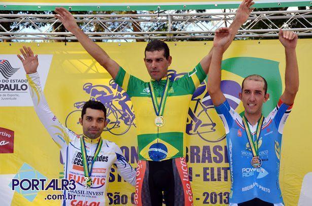 Pódio masculino do Brasileiro de CRI. (Foto: Luis Claudio Antunes/PortalR3)