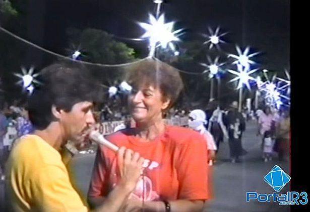 Cida Novaes sendo entrevistada por Chico de Paula em 1988. (Foto: reprodução/vídeo)