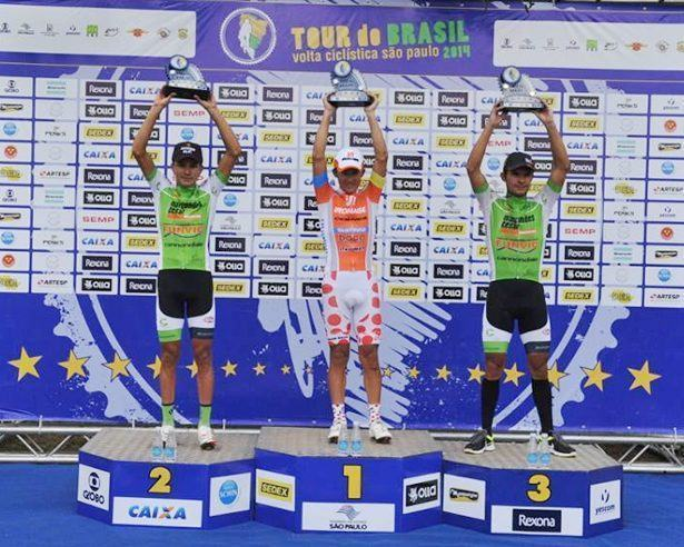 Pódio da 5ª etapa com João Gaspar, Alex Diniz e Kleber Ramos. (Foto: divulgação)