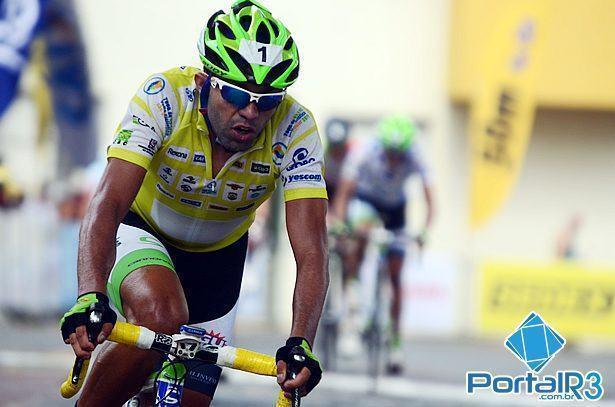 Magno chegou em terceiro na sexta etapa e manteve a camisa de líder geral da competição. (Foto: Luis Claudio Antunes/PortalR3)