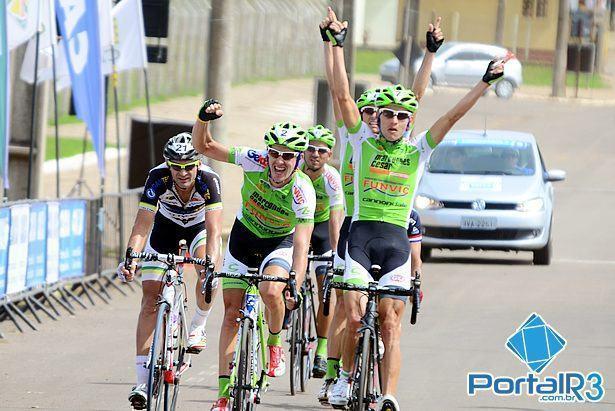 Chegada em Cambará do   Sul, com vitória de Oscar Sanchez, para São José dos Campos. (Foto: Luis Claudio Antunes/PortalR3)