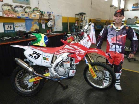 Em 2013, Jean Azevedo participou de todo o Campeonato Brasileiro de Rally Cross Country, sagrando-se campeão pela sétima vez. (Foto: Doni Castilho/DFotos)