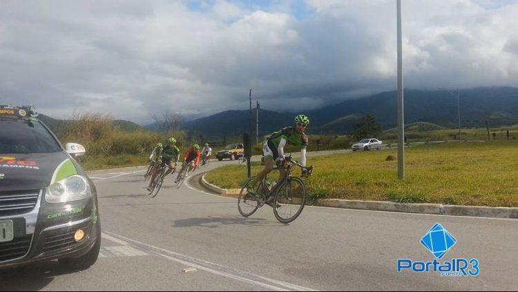 Atletas de São José dos Campos durante treino. (Foto: Ciclismo SJC)