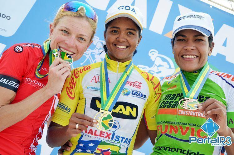 Pódio feminino com Márcia, Flávia e Luciene. (Foto: Luis Claudio Antunes/PortalR3)