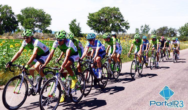 Atletas durante o treinamento neste sábado (2) em Cedar City. (Foto: Luis Claudio Antunes/PortalR3)