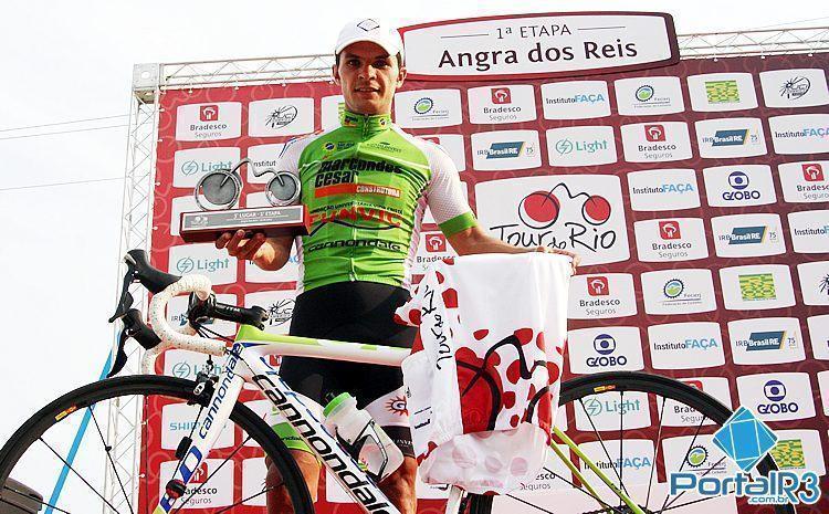 Bozó foi o único brasileiro no pódio da 1ª etapa do Tour do Rio. (Foto: Ciclismo SJC)