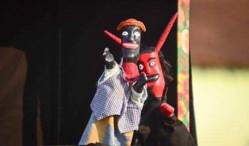 VÍDEO: Teatro Mamulengo faz a alegria das crianças em Pinda