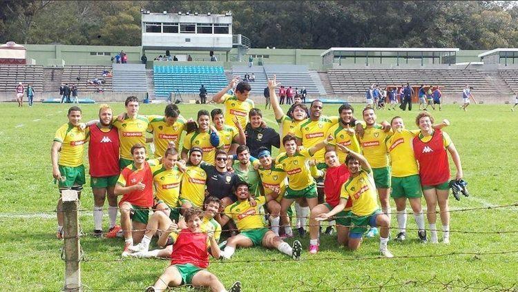 Equipe brasileira comemora 3º lugar na competição. (Foto: Rebeca Spago/CBRu/Divulgação)