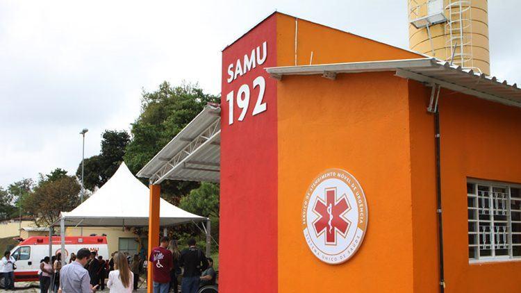 A base inaugurada tem 55,3 metros quadrados, com área de cobertura para a ambulância, uma área de lavagem, dois dormitórios, um depósito de material e banheiros. (Foto: Charles de Moura/PMSJC)