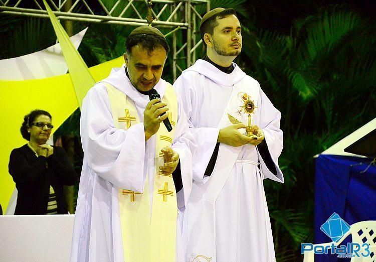 Frei Laércio (esq.) e Frei Diego, do Lar São Judas Tadeu, local da festa. (Foto: Arquivo/PortalR3)