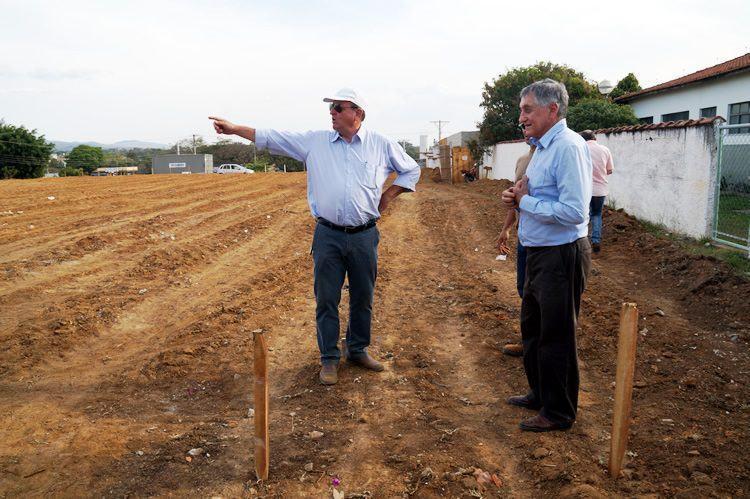 O prefeito Vito Ardito Lerario esteve acompanhado o início das obras no Cidade Nova. (Foto: Divulgação/PMP)
