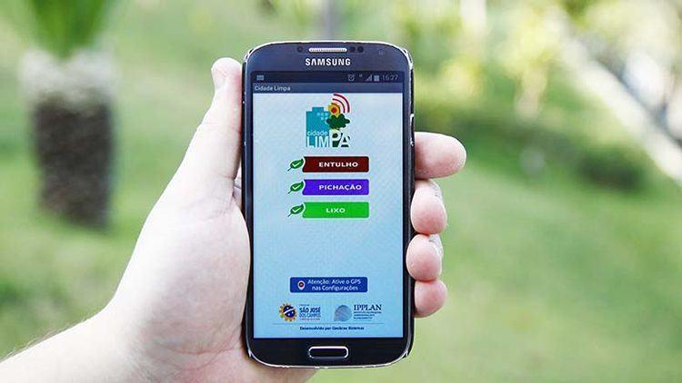 O aplicativo está disponível para ser baixado gratuitamente em celulares e permite ao cidadão registrar ocorrências. (Foto: Antônio Basílio/PMSJC)