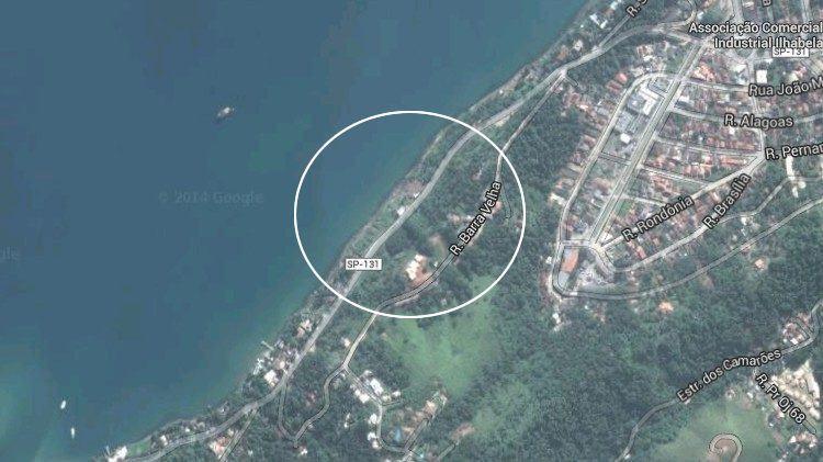 Carro estava na rua Barra Velha, na parte alta do Piúva, e após capotar, quase chegou a SP-131. (Foto: reprodução/Google Maps)