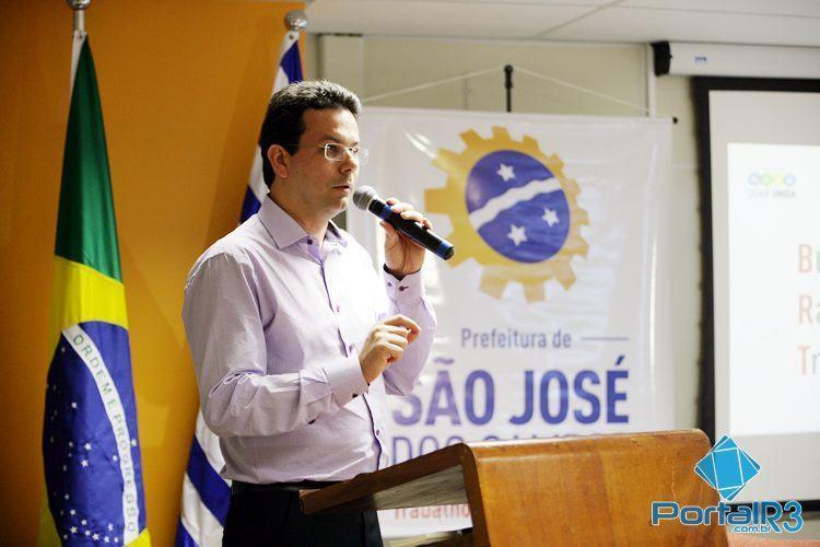 Luiz Marcelo Silva Santos, secretário de Transportes de São José dos Campos, mostrou os detalhes sobre o BRT que será implantado na cidade. (Foto: Fernando Noronha/PortalR3)