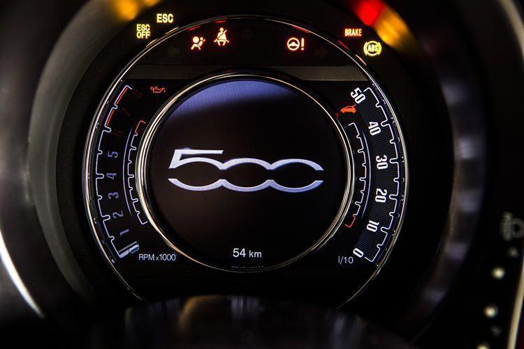 Em cinco versões, modelo 2015 do Fiat 500 custa entre R$ 47.390 e R$ 66.300. (Foto: Fiat/Divulgação)