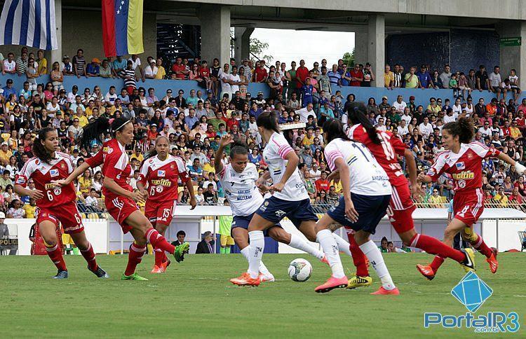 Lance da partida no Martins Pereira. (Foto: Fernando Noronha/PortalR3)