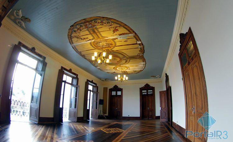 Parte do prédio que ainda está com o teto em restauração. O local servirá de modelo para oficinas educativas. (Foto: Luis Claudio Antunes/PortalR3)