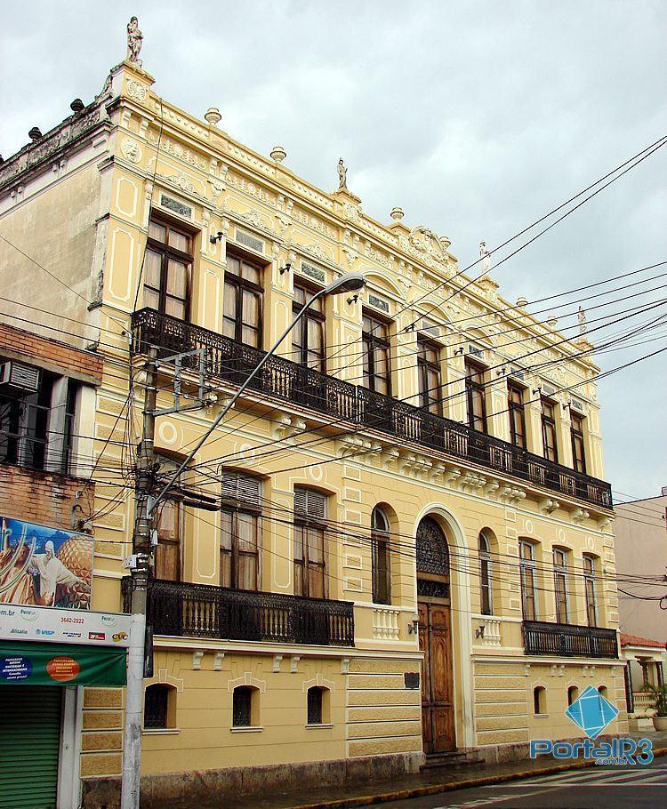 Foto de 20 de janeiro de 2007, mostra o prédio ainda sem a restauração. (Foto: Luis Claudio Antunes/Arquivo PortalR3)