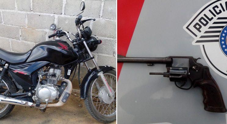 Moto roubado e arma apreendida pela PM. (Foto: Divulgação/PM)