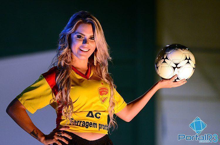 Laura Gonzallez, que representou o Unidos do Castolira, ficou com o título de Rainha do Futebol 2014 de Pindamonhangaba. (Foto: Luis Claudio Antunes/PortalR3)