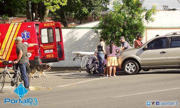 Momento que a vítima recebia atendimento do Corpo de Bombeiros. (Foto: Chico de Paula/PortalR3)