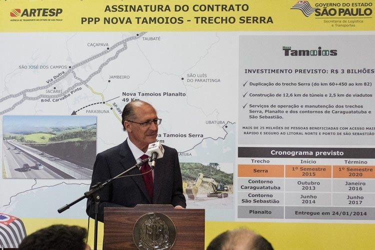 Alckmin destacou que a nova rodovia será fundamental para o fortalecimento do turismo, da construção civil, do pré-sal e do Porto de São Sebastião. (Foto: Tamires Santos)