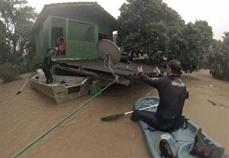 Chuva desalojou várias famílias na cidade. (Andre Motta/ Prefeitura de São Sebastião)
