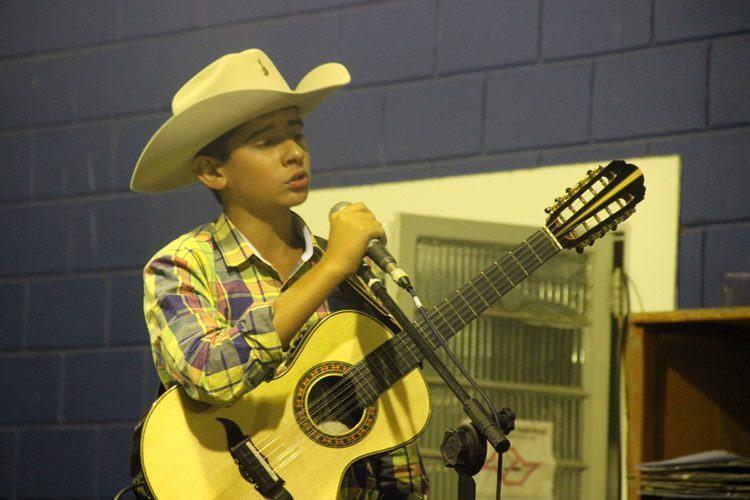 No sábado, com apresentação do cantor sertanejo Gabrielzinho. (Foto: Divulgação/PMT)