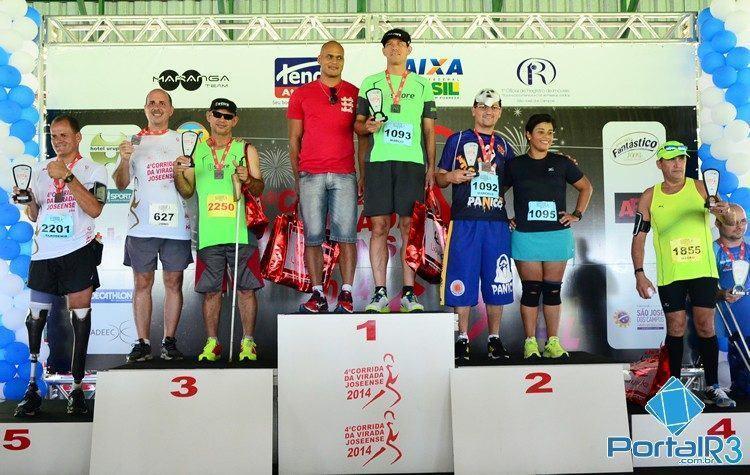 Atletas PCD receberam troféu de participação. (Foto: Luis Claudio Antunes/PortalR3)