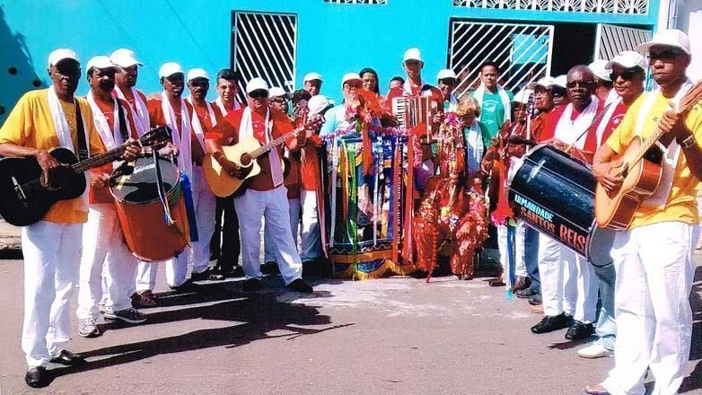 Companhia Irmandade de Santos Reis do Novo Horizonte percorrerá o parque, preenchendo-o de alegria e convidando o público a participar da festa. (Foto: Divulgação/PMSJC)