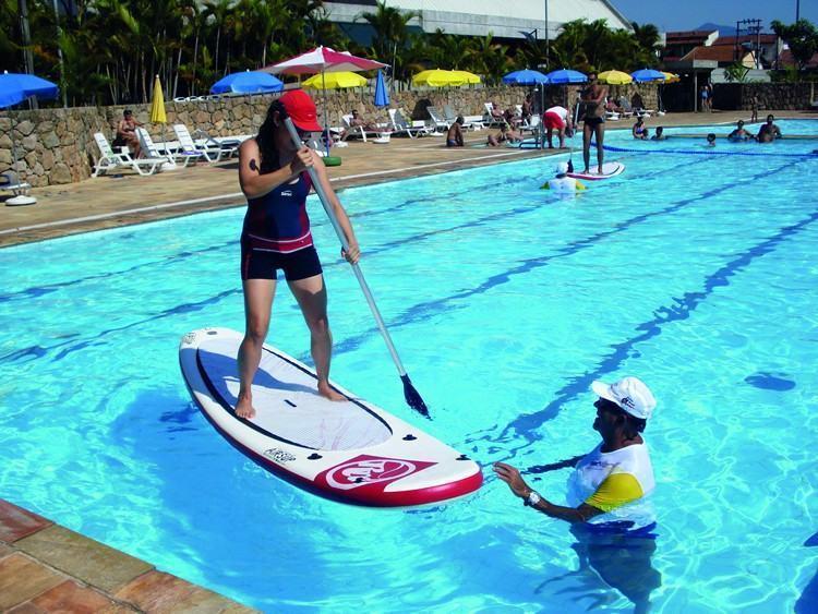 Stand up paddle é  uma das atividades oferecidas no Sesc Verão 2015. (Foto: Divulgação)
