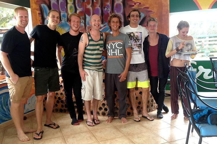 Turistas estrangeiros no hostel Green Heaven. (Foto: Divulgação/PMU)
