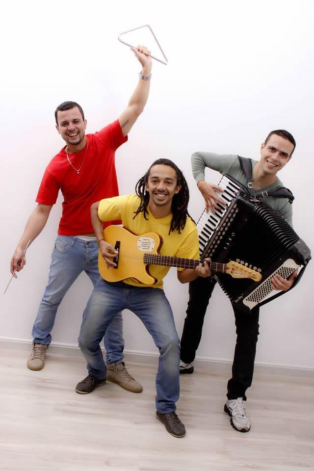 Para quem gosta de dançar e ouvir o ritmo brasileiro forró, a banda Kanaviá se apresenta com suas canções que ressaltam a paz, a amizade e a alegria. (Foto: Divulgação/AJFAC)