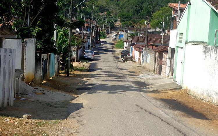 Serviços de manutenção e infraestrutura em três bairros afastados do centro. (Foto: Divulgação/PMU)