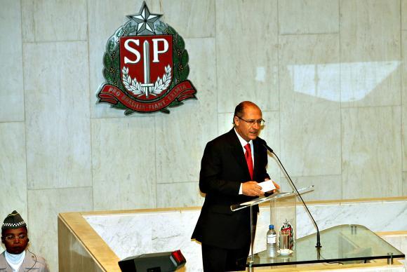 O governador de São Paulo, Geraldo Alckmin, admitiu hoje (14), pela primeira vez, que o estado enfrenta racionamento de água. (Foto: José Luís da Conceição/Divulgação/Governo de São Paulo)
