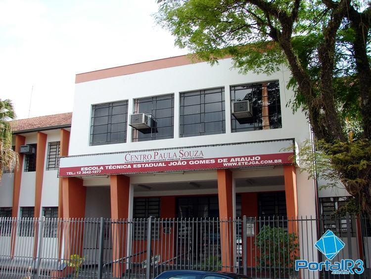 ETEC João Gomes de Araújo, em Pindamonhangaba, oferece diversos cursos. (Foto: Arquivo PortalR3)