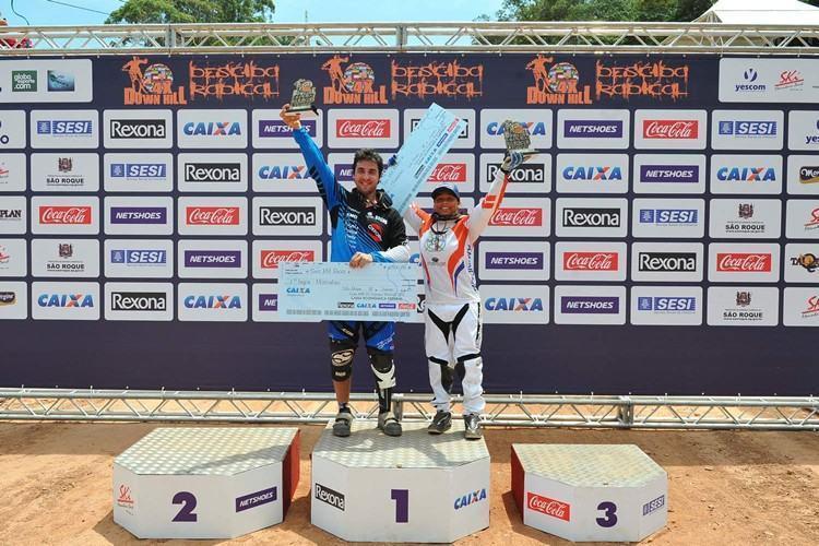 O piloto chileno venceu pela primeira vez em São Roque, enquanto a atleta brasileira ficou com o bicampeonato. (Foto: Sérgio Shibuya/MBraga Comunicação)