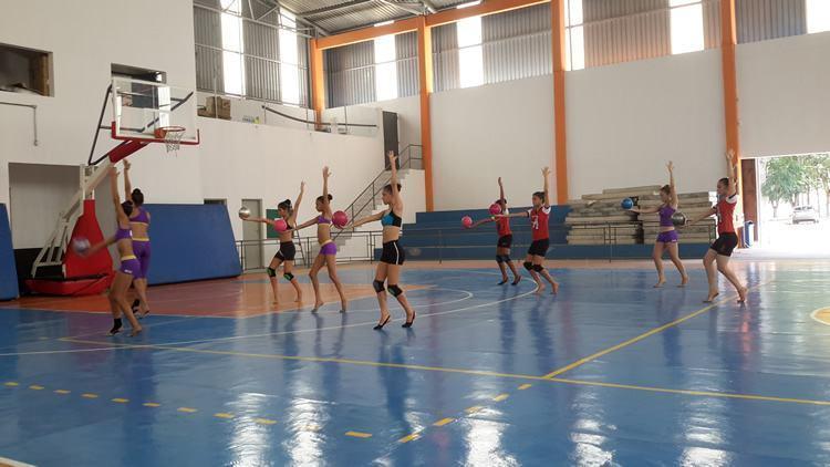 Formada em educação física pela faculdade Assis Gurgacz (PR), Ana Scheffer foi atleta de ginástica rítmica por 11 anos. (Foto: Divulgação/PMT)