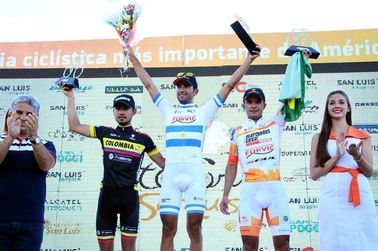 Pódio da 3ª etapa, com Daniel Díaz no lugar mais alto do pódio e Kleber Ramos  em terceiro. (Foto: Luis Claudio Antunes/PortalR3)