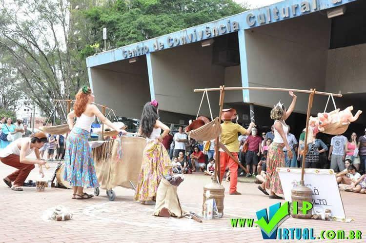 : Atores dão um show de interpretação e arrancam aplausos por onde passam com suas performances. (Foto: Divulgação/PMSS)