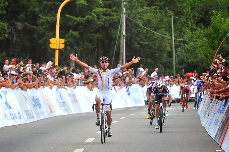 Gavira comemora sua segunda vitória nesta edição do Tour de San Luis. (Foto: Divulgação/Agência San Luis)