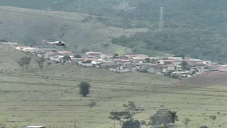Helicóptero da PM em apoio a perseguição em terra. (Foto: Divulgação/PM)
