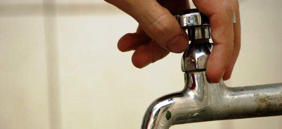 . Soluções criativas como o uso de cisternas para captar a água da chuva também ajudam a economizar. (Foto: Fernanda Cruz - Repórter da Agência Brasil)