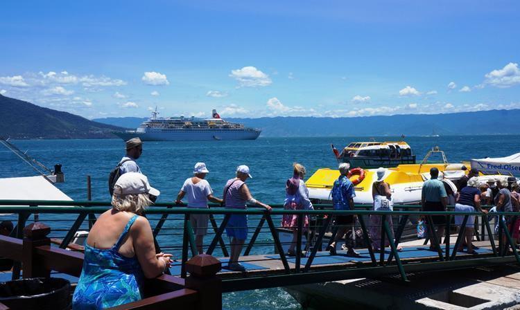 """Cidade recebeu no domingo (25) o navio """"Black Watch"""", de bandeira das Bahamas. (Foto: Josefh Flore/PMI)"""