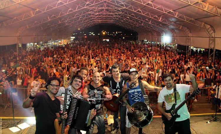 Destaque para o show do Circuladô de Fulô, tradicional banda do forro universitário paulistano. (Foto: Divulgação/PMU)