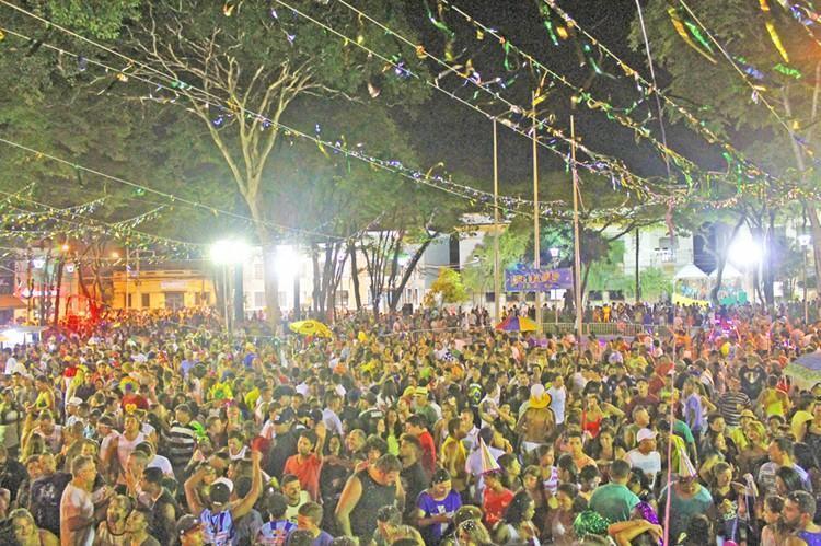 Carnaval de Caçapava no ano passado atraiu mais de 20 mil foliões  nos quatro dias de folia. (Foto: Divulgação/PMC)