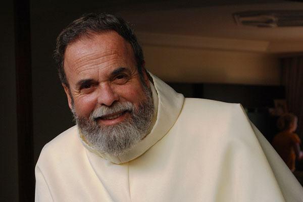Padre Antonio Maria atraiu grande público na sexta-feira, dia 31. (Foto: Divulgação/PMI)