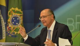 O governador de São Paulo, Geraldo Alckmin, disse que não pretende utilizar a terceira cota do volume morto do Cantareira (Foto: José Cruz/Agência Brasil)