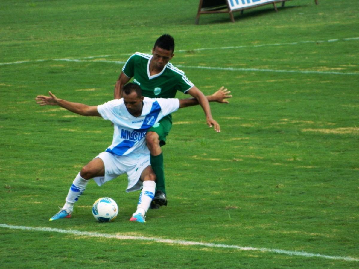 Taubaté mostra força diante de adversário fraco e goleia. (Foto: Talita Leite / PPESPORTE)
